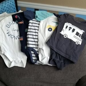 Lot of 5 baby Gap bodysuits.